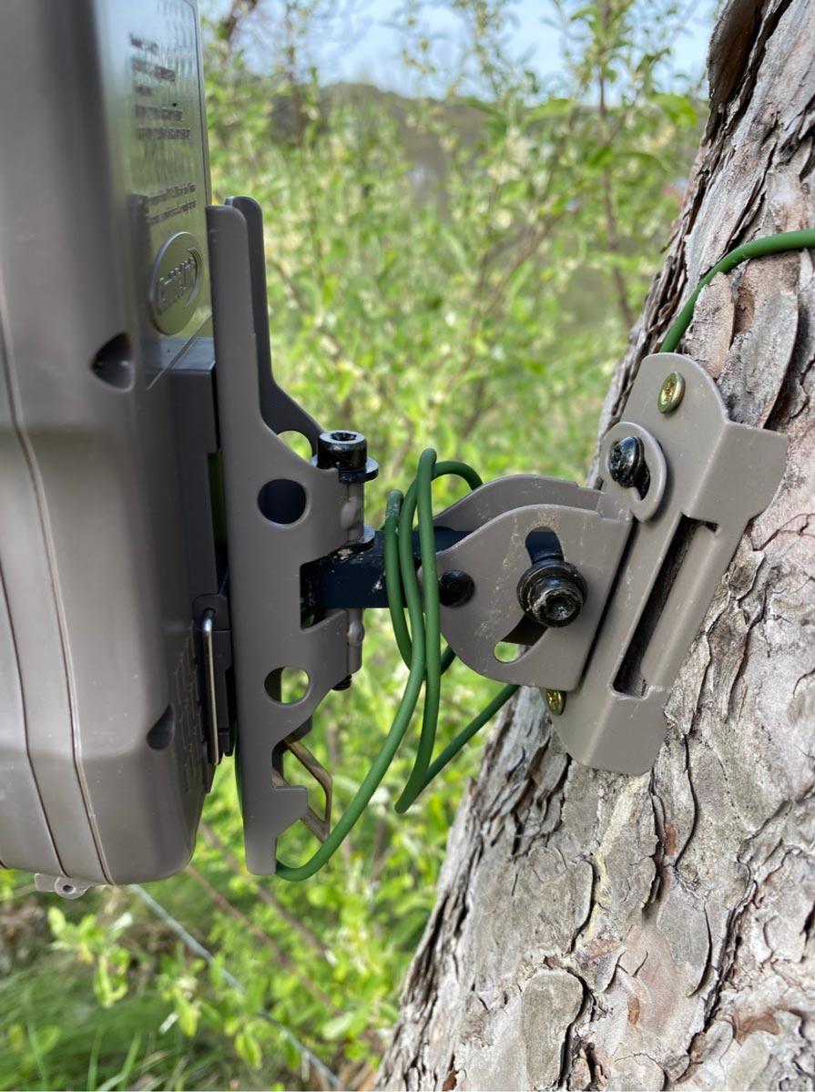 genius-pan-tilt-lock-mount